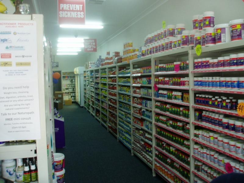 Supermarket shelving for vitamin shop